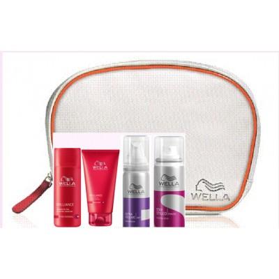 Wella Weekend- matkasetti (sis. shampoon ,hoitoaineen, muotovaahdon ja hiuslakan)